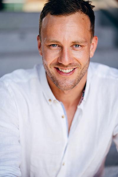 Florian Hof. - People2People - Models, Produktschau